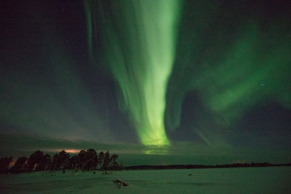 Awesome Northern Lights on Lake Inari
